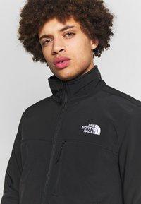 The North Face - MENS APEX BIONIC JACKET - Softshelljacka - black/white - 4