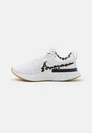REACT INFINITY RUN FK 2 CP - Nøytrale løpesko - white/black/wheat/light bone