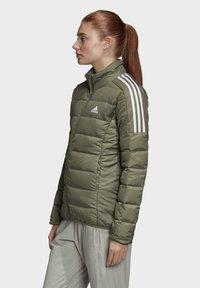 adidas Performance - ESSENTIALS PRIMEGREEN OUTDOOR DOWN - Down jacket - green - 2