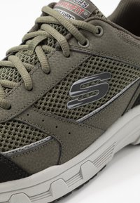 Skechers - OAK CANYON - Trainers - olive/black