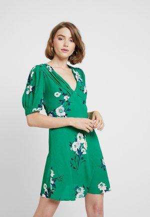 NEON GARDEN MINI - Vestido informal - green