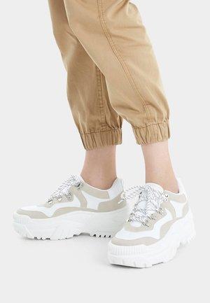 MIT XL-SOHLE - Sneakers laag - white