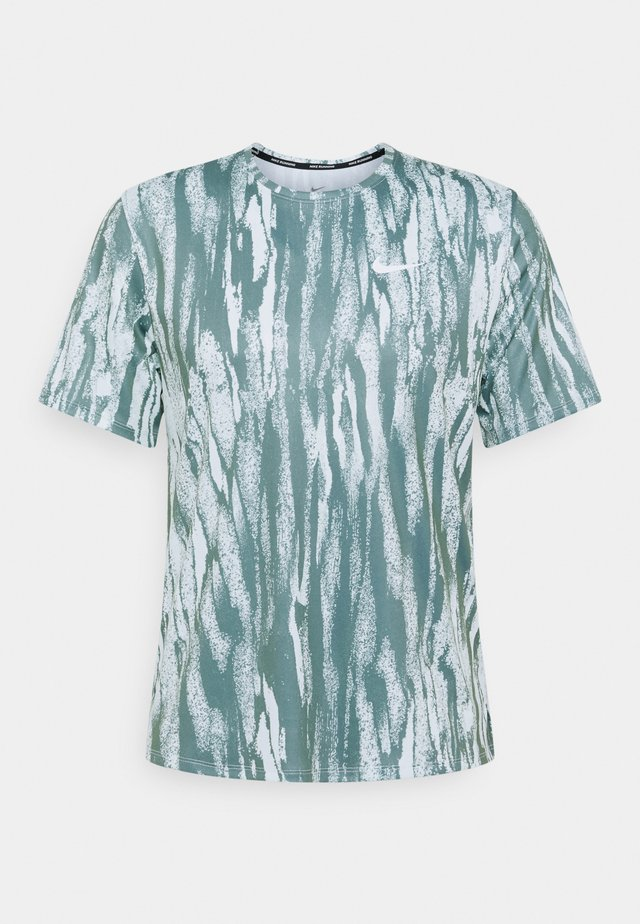 MILER - Print T-shirt - barely green