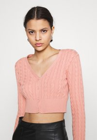 Glamorous - CABLE KNIT CROPPED  - Cardigan - dusty peach - 3