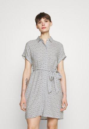VMSIMPLY EASY SHIRT DRESS - Vestido camisero - navy blazer
