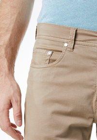 Pierre Cardin - LYON - Slim fit jeans - beige - 3