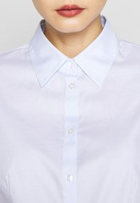 HUGO - THE FITTED - Button-down blouse - light pastel blue - 5