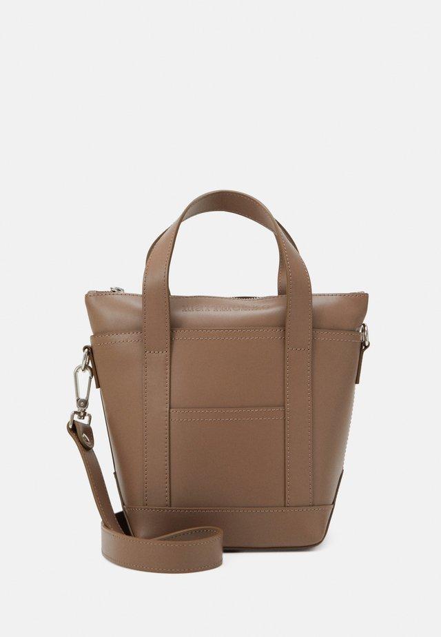 MILLI MATKURI LEA BAG - Handbag - brown