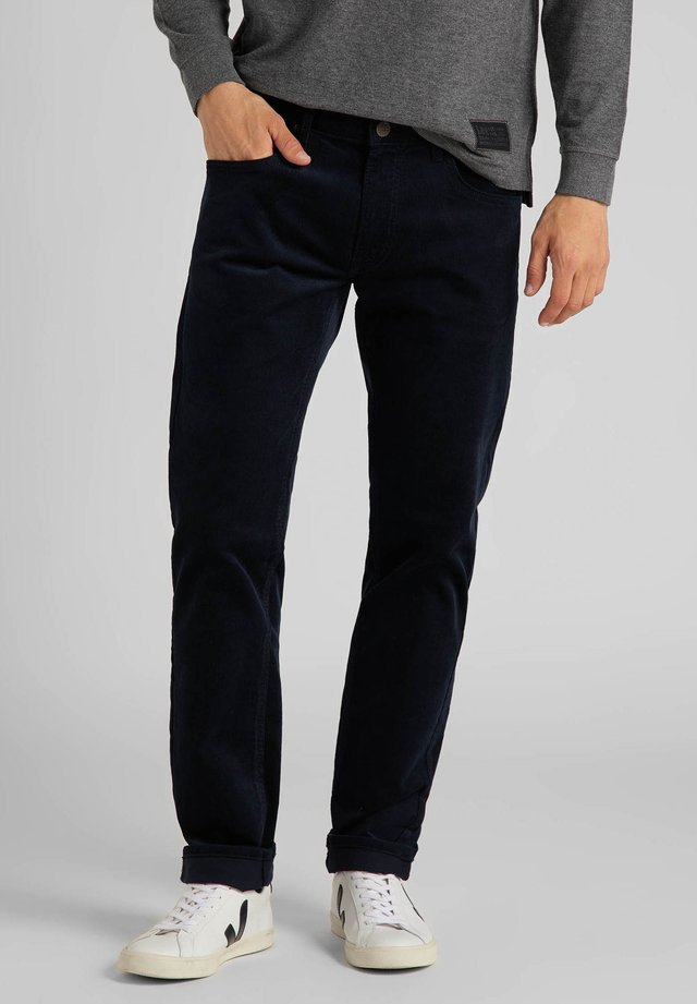 DAREN ZIP FLY - Broek - sky captain