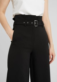 4th & Reckless - BRADY TROUSER - Trousers - black - 4