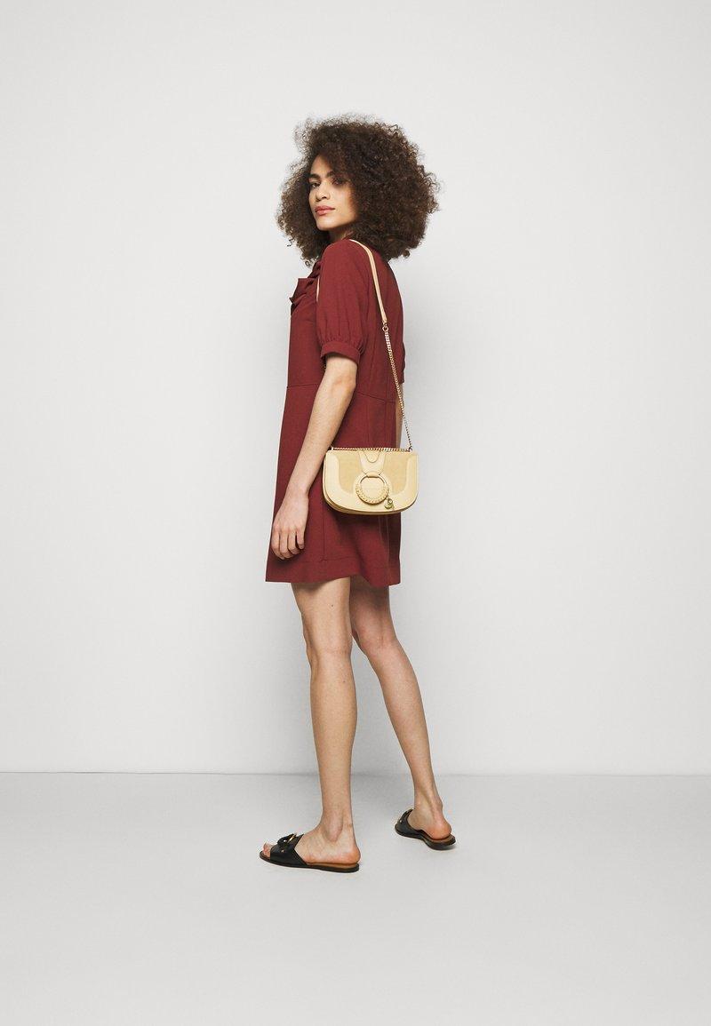See by Chloé - Hana Evenning bag - Across body bag - seed brown