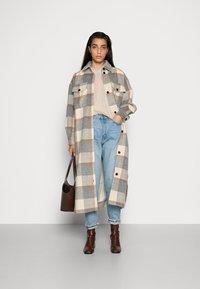 Stella Nova - EMMY JOE - Classic coat - grey/creme/brown - 1