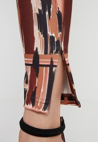 Just Cavalli - PANTALONE - Leggings - Hosen - print
