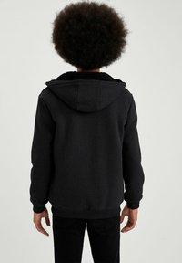 DeFacto - Zip-up sweatshirt - anthracite - 2