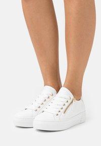 Gabor Comfort - Trainers - weiß/platino - 0