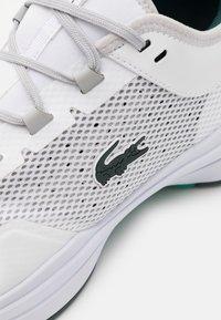 Lacoste Sport - AG LT 21 - Kengät kaikille alustoille - white/green - 5
