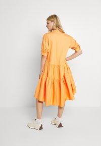Missguided - OVERSIZED SHIRT MIDI DRESS - Maxi dress - orange - 2
