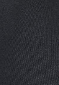 Hunkemöller - INVISIBLE BRASILIAN 3 PACK  - String - caviar - 5