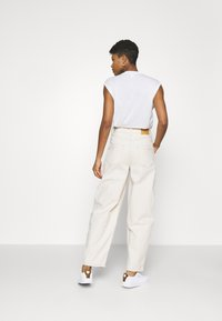 BDG Urban Outfitters - ERIN COCOON - Džíny Relaxed Fit - ecru - 2