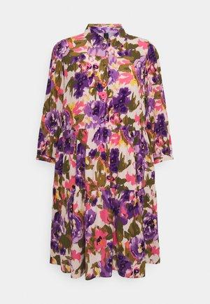 YASCALEIA DRESS - Abito a camicia - eggnog