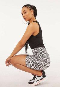 Skinnydip - Shorts - multi - 2