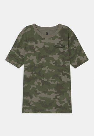MAX SKATER - T-shirt con stampa - khaki