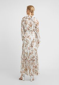 Needle & Thread - GARLAND PETAL WRAP GOWN - Occasion wear - ivory - 2
