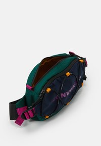 Converse - SWAP OUT SLING UNISEX - Sac banane - obsidian/midnight clover/cactus - 2