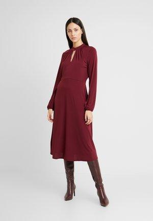 HIGH NECK KEYHOLE DRESS - Jerseykjole - purple