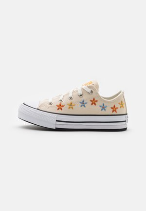CHUCK TAYLOR ALL STAR EVA LIFT - Matalavartiset tennarit - natural ivory/white/black