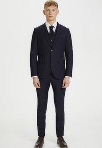 Matinique - BRECK STRETCH - Suit waistcoat - navy blazer - 1