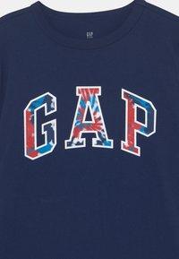 GAP - BOYS LOGO - T-shirt imprimé - elysian blue - 2