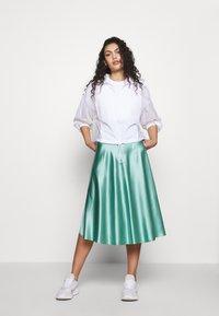 adidas Originals - CROP - Print T-shirt - white - 1