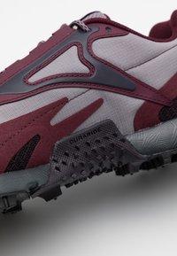 Reebok - AT CRAZE 2.0 - Trail running shoes - grape/grey/maroon/black - 5