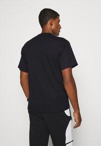 GCDS - BASIC TEE - Basic T-shirt - black - 2