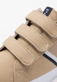 Polo Ralph Lauren - GAFFNEY - Sneakers laag - khaki/navy/white - 2