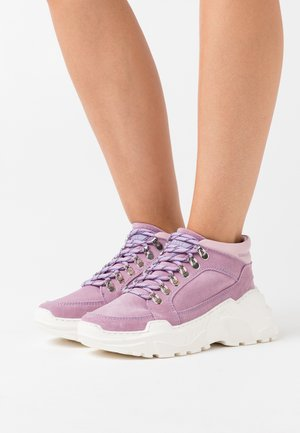 TRANCE - High-top trainers - purple