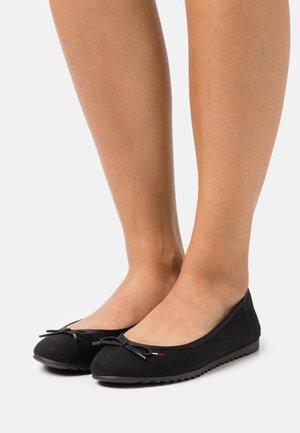 ESSENTIAL  - Ballet pumps - black