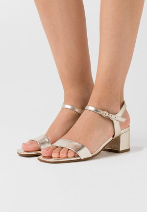 LEATHER SANDALS - Sandály - gold