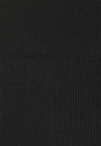 Even&Odd - SEAMLESS RIB CYCLING SHORTS - Kraťasy - black - 2