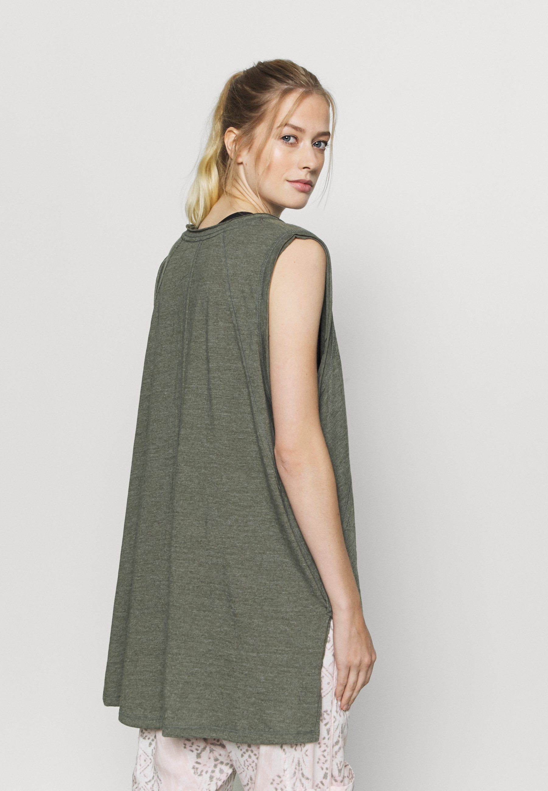 Free People CITY VIBES TANK - Top - army ZMtmh