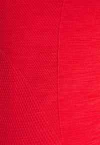 Sweaty Betty - ATHLETE SEAMLESS WORKOUT - Top - rich red - 2