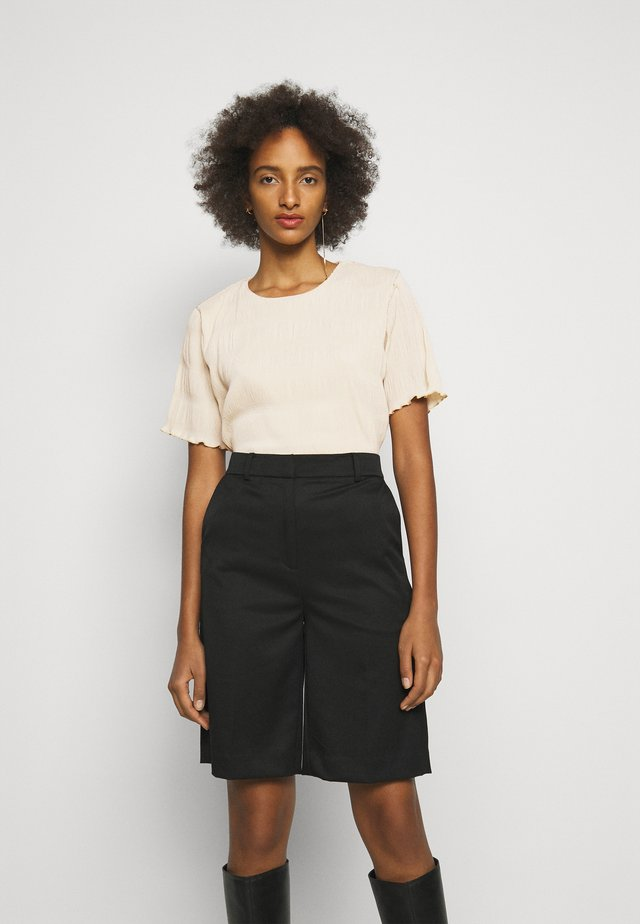 BASIL PLEAT TEE  - T-shirt basic - ecru