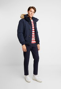 Tommy Hilfiger - HAMPTON DOWN  - Dunjacka - blue