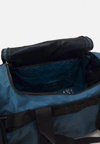 The North Face - BASE CAMP DUFFEL M UNISEX - Sports bag - dark blue/black - 6
