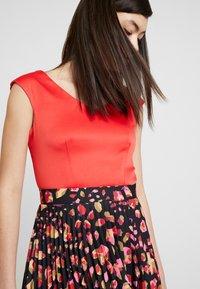 Closet - PLEATED SKIRT DRESS - Vestito elegante - red - 4