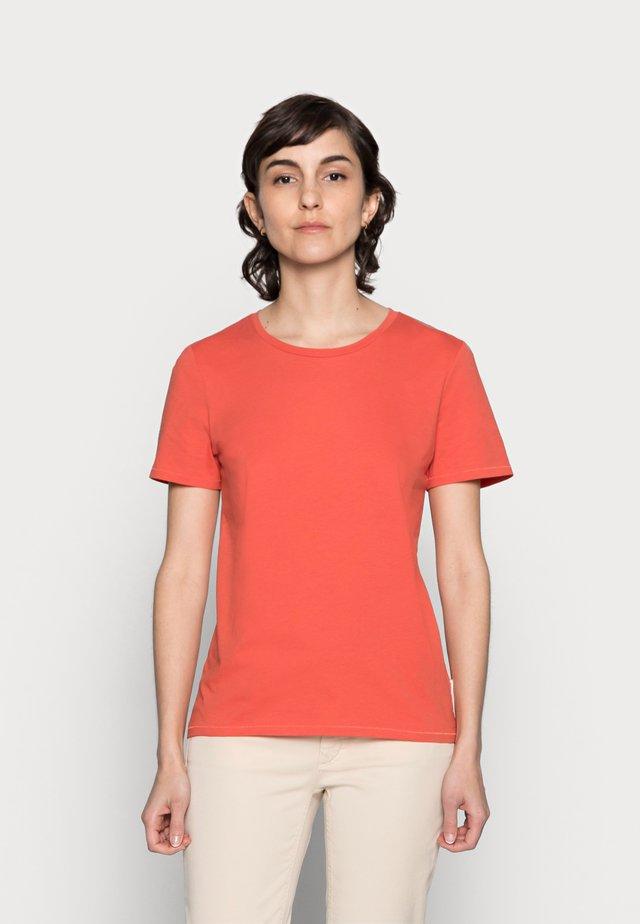 Camiseta básica - burnt orange