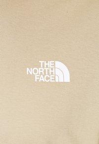 The North Face - SIMPLE DOME TEE - T-shirt - bas - kelp tan - 2