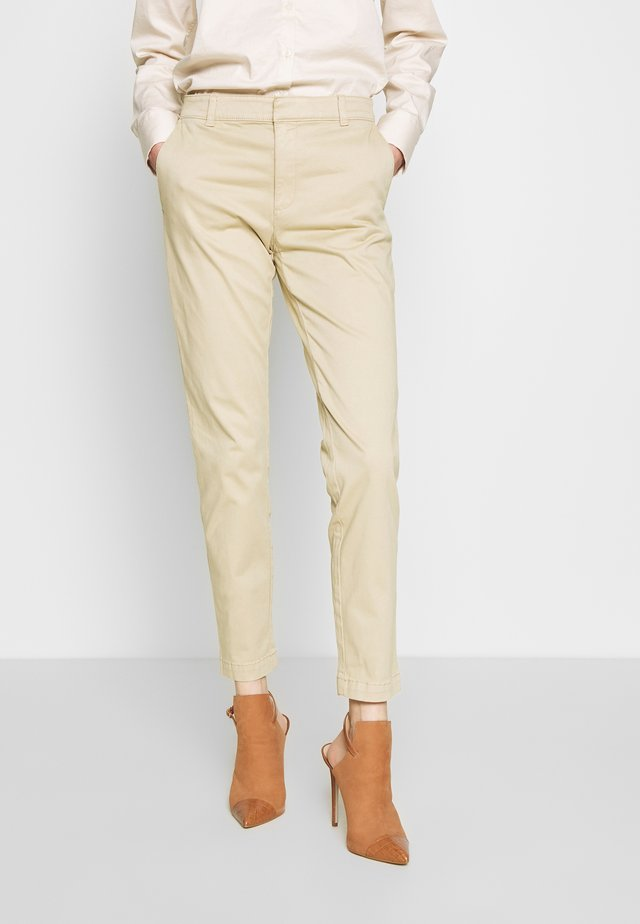 SLOAN CLEAN SOLIDS - Chinos - stinson sand