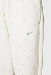 Nike Sportswear - PANT - Tracksuit bottoms - sail/light bone - 2
